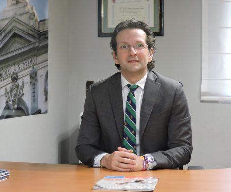 Abogado Ramón Escribano experto en extranjería.